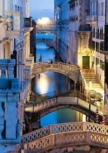Italia puentes night